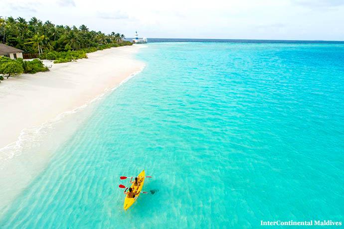 Maldivi vožnja u čamcu